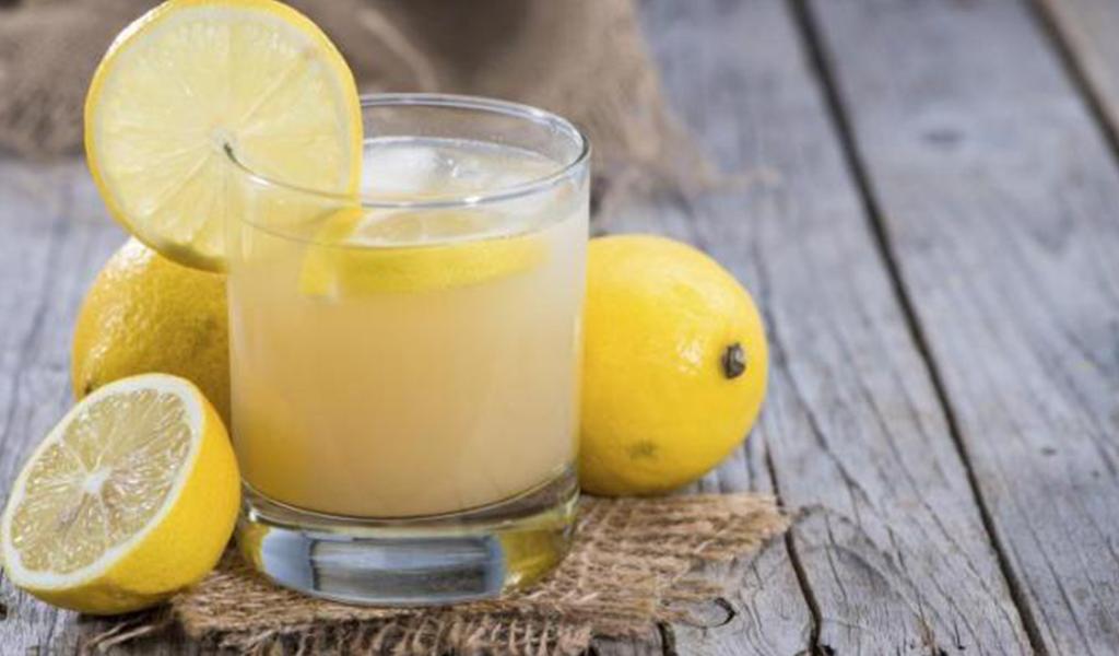Manfaat Minum Air Lemon Hangat Saat Pagi Hari Klinik Semper